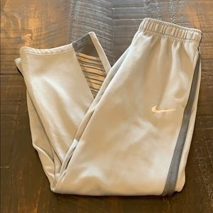 Boys Nike therma fit pants